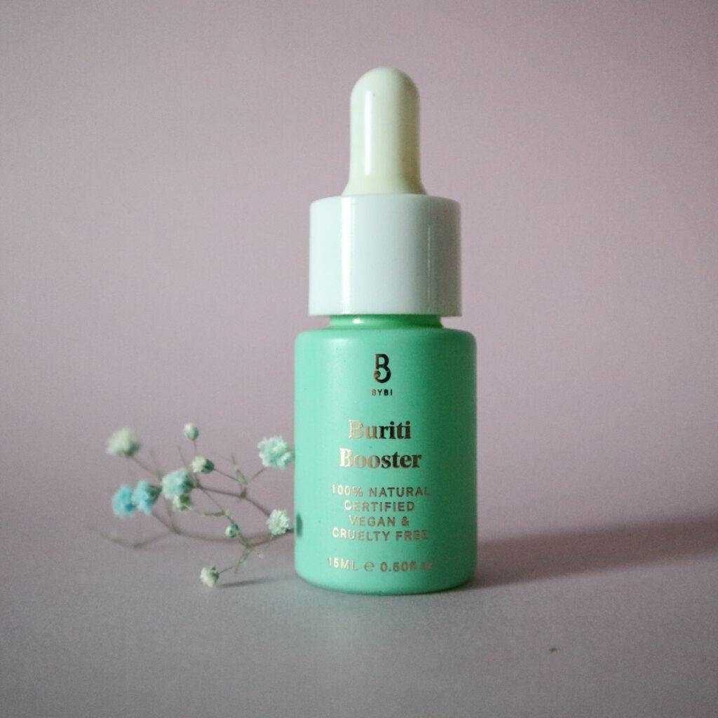bybi beauty buriti booster sopii kirkastamaan ihoa ja suojaamaan ihoa.